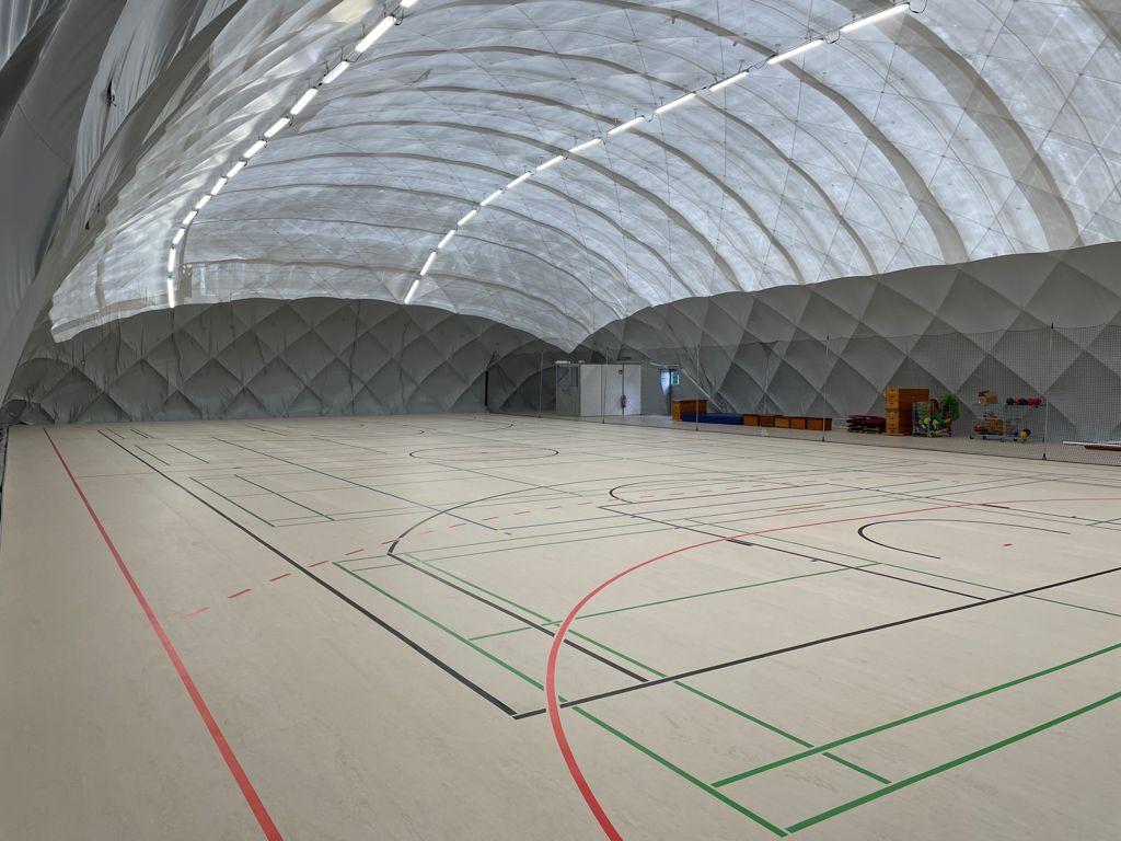 Turnhalle in Witten bedeckt von einer Traglufthalle